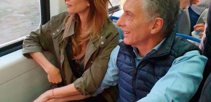 """Mauricio Macri inició la caravana del """"Sí se puede""""en Belgrano. Llegó a la zona en tren, desde Olivos. Juntos por el Cambio prevé visitar 30 ciudades hasta las elecciones generales."""