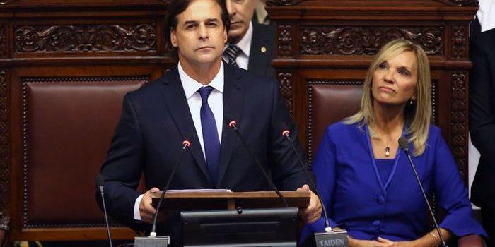 Uruguay tiene nuevo presidente. Asumió Luis Lacalle Pou, dando fin a 15 años de gobiernos del Frente Amplio.
